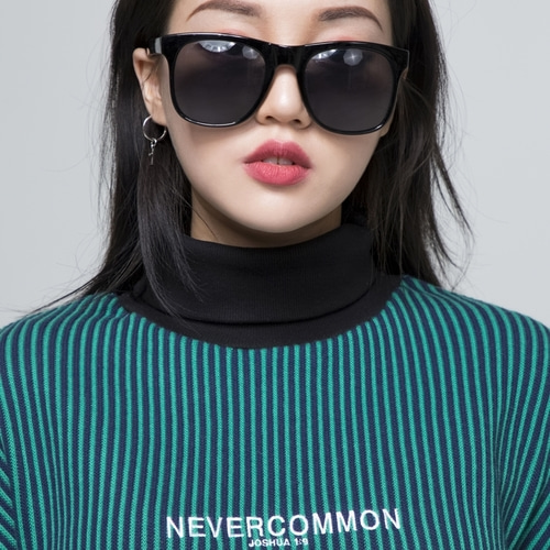 [네버커먼] oversized vertical stripe knit (navy,green)