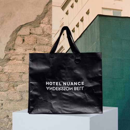 [앤더슨벨]ANDERSSON BELL X HOTELNUANCE LOGO SHOPPER BAG ala001 BLACK
