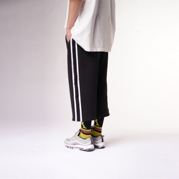 [블락스 요하닉스]SUPER BANDING WIDE CROP PANTS