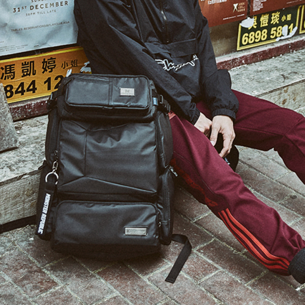 [몬스터 리퍼블릭] DIFFERSSIVE MULTI BAG / MATT BLACK