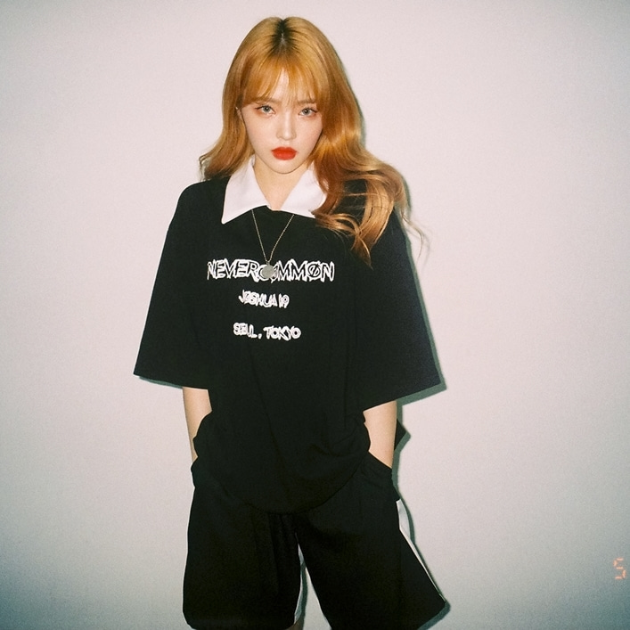 [네버커먼] White Kara T-shirt (black)