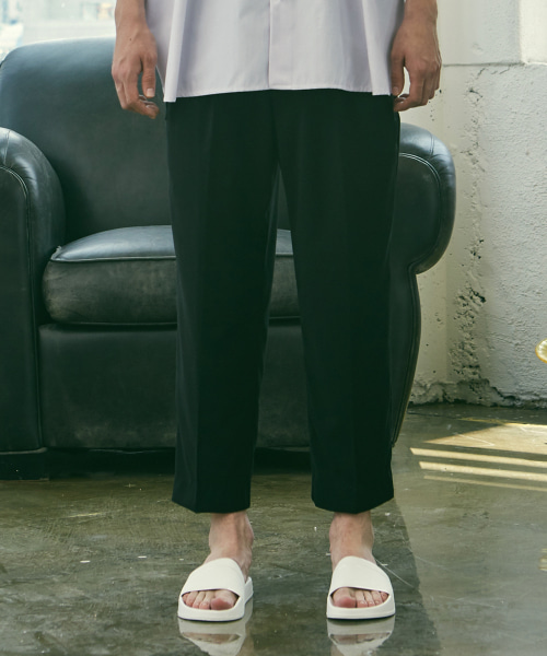 [에드]HALF BANDING SEMI WIDE PANTS BLACK