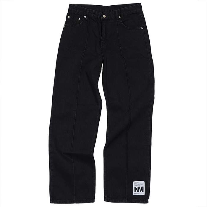 [노매뉴얼]EMBROIDERED PIN TUCK DENIM PANTS - BLACK