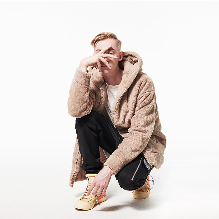 [데드엔드] BEIGE SHERPA 2WAY ZIP UP HOODIE