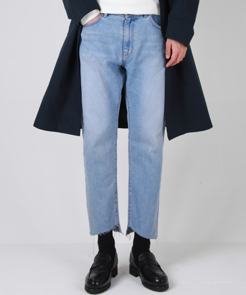 [모디파이드]M#1679 zigzag cutted washed crop jeans