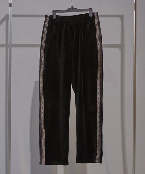 [이노반트]velours trackpants (black)
