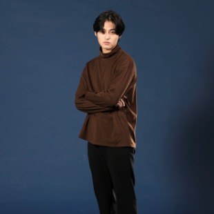 [우니베르소]SHIRT CUFFS TURTLE NECK T-SHIRT-BROWN