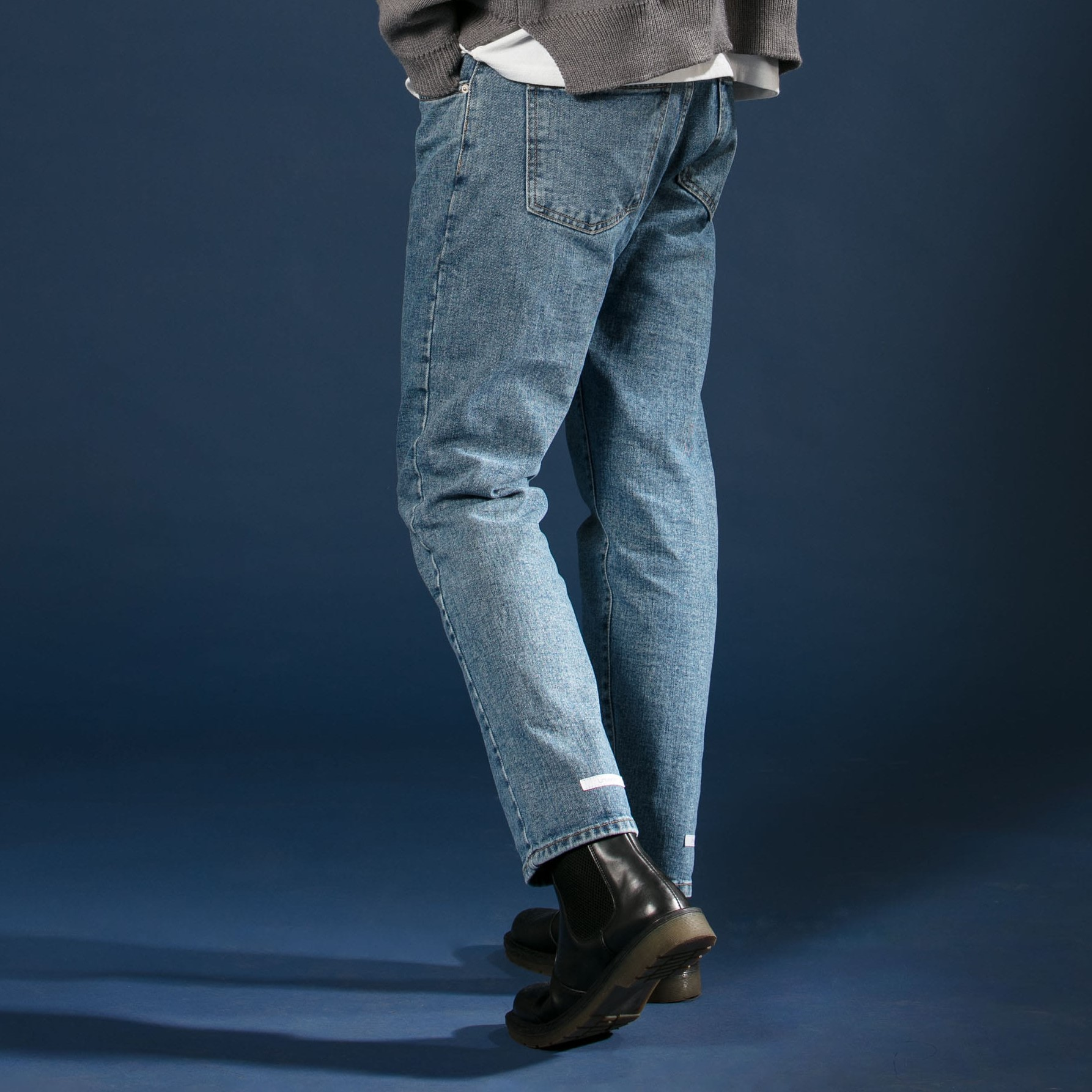 [우니베르소]LABEL DETAIL TROUSERS JEANS-LIGHT BLUE