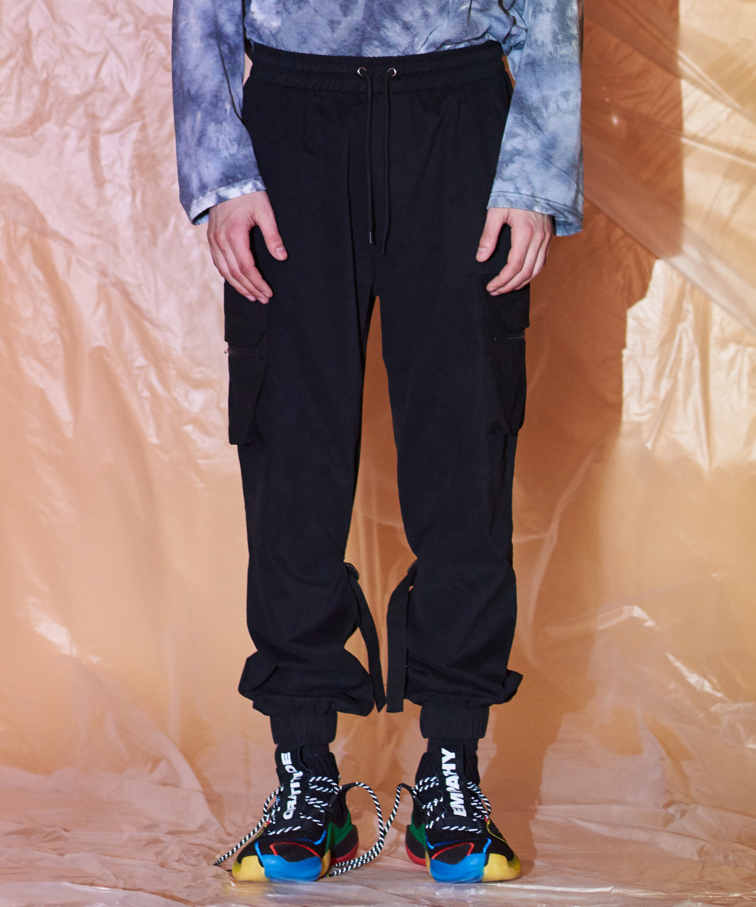 [써틴먼스] LEG BELTED CARGO JOGGER PANTS (BLACK)