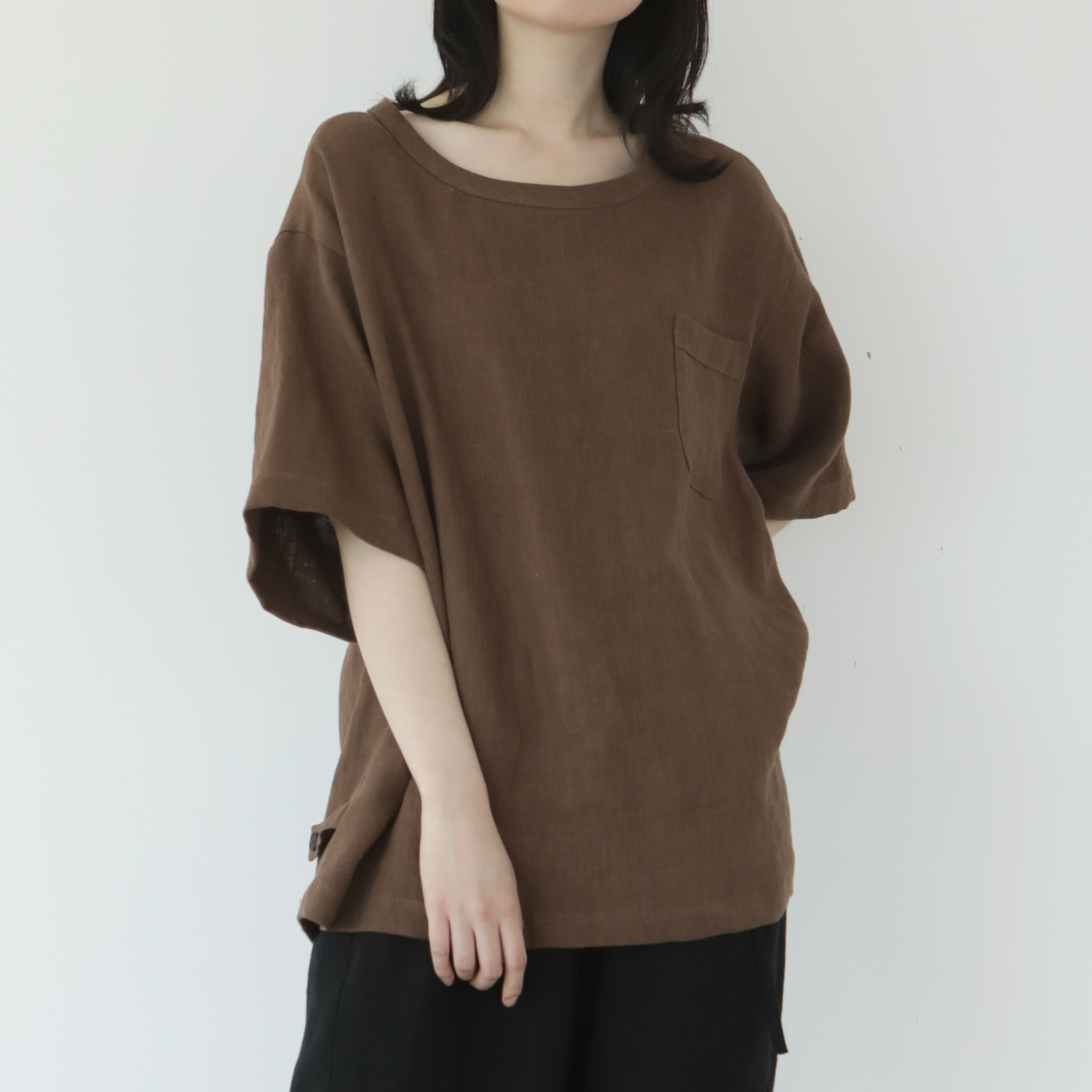 [말렌] ramie button tee brown