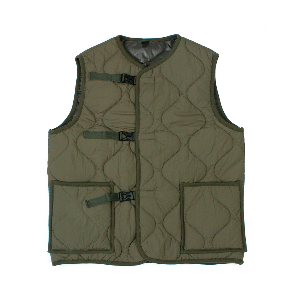 [유니드가먼츠]BUCKLE QUILTED VEST KHAKI