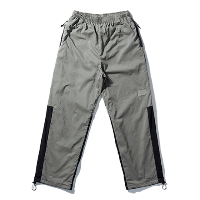 [노매뉴얼] NM PATCH TRAINING PANTS - KHAKI