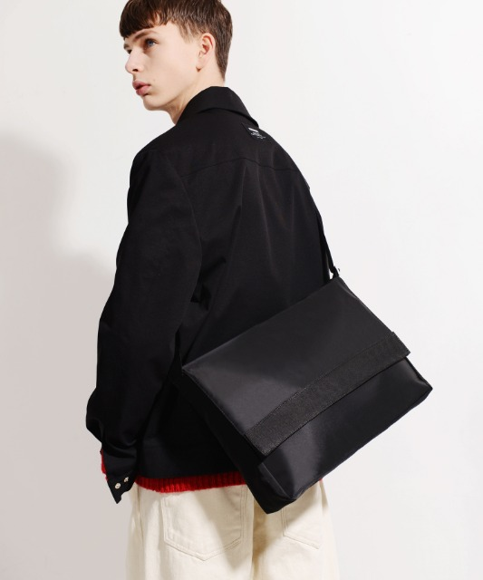 [피스메이커] NYLON TWILL MESSENGER BAG (BLACK)