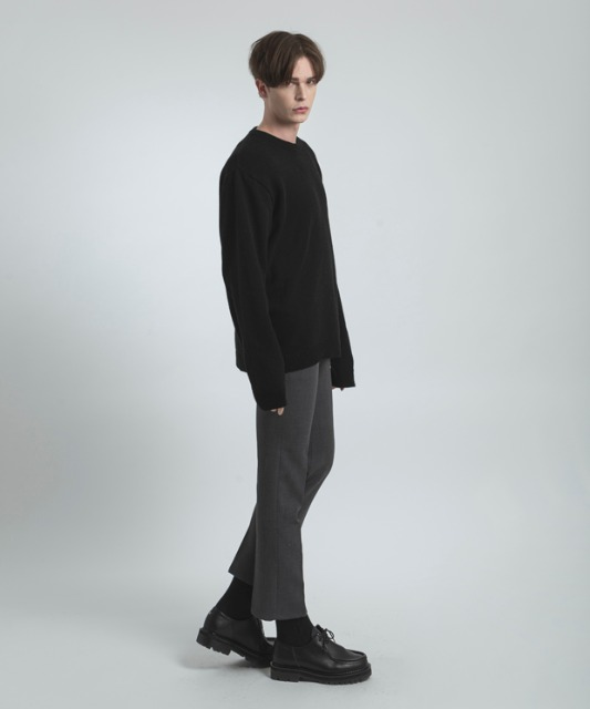 [우니베르소]SQAURE LOGO OVER WOOL KNIT-BLACK