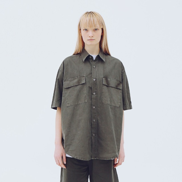 [어패럴싯] UNISEX PIGMENT TWO POCKET SHIRTS CHARCOAL