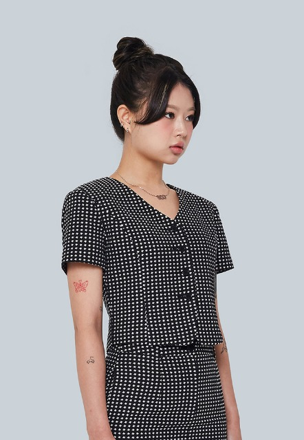[이우가마카라스] Cross Dot Pattern Blouse Jacket (black)