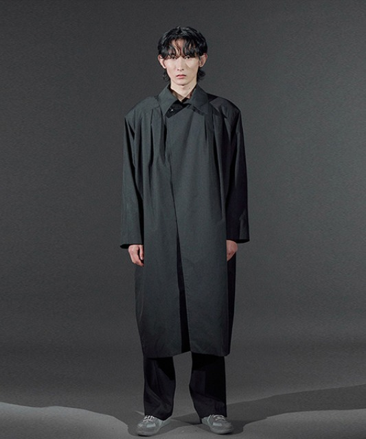 [바이플래퍼] BF shoulder pad coat black